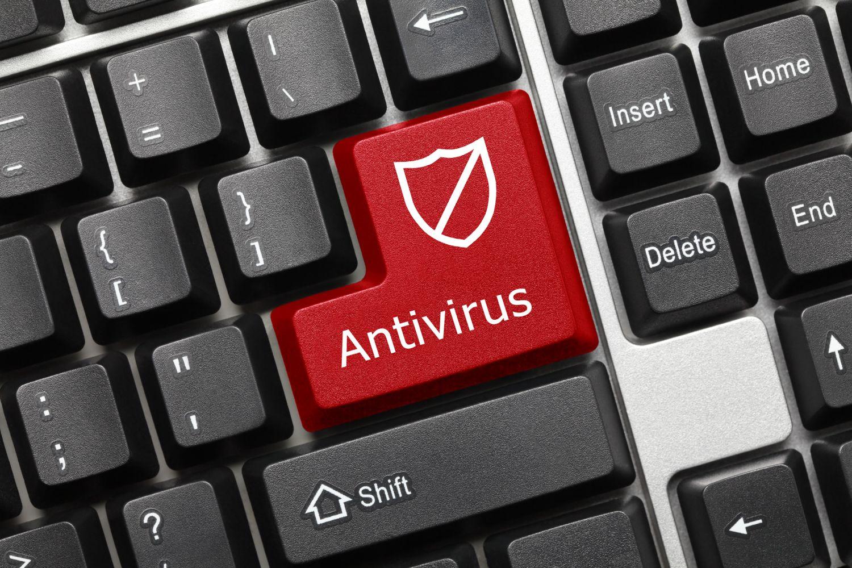 Auf der roten Enter-Taste einer Computertastatur steht